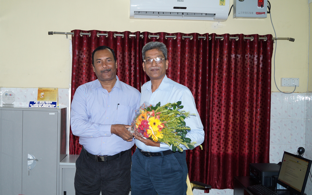 Registrar, OSOU congratulates Dr. Srikant Mohapatra the first VC of Odisha State Open University