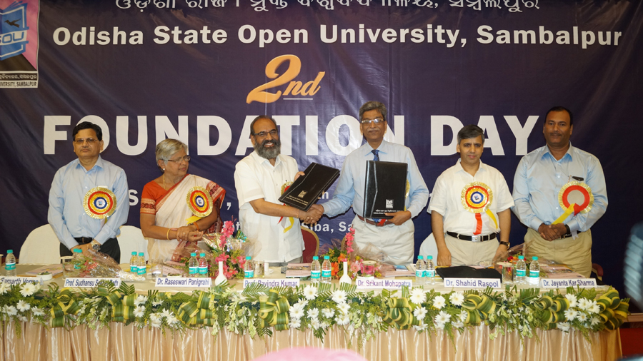 MoU signed between IGNOU and OSOU on 2nd Foundation Day